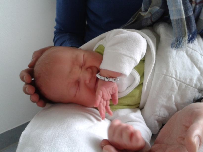 #Geburt; #Baby; #geborgen; #Hausgeburt;